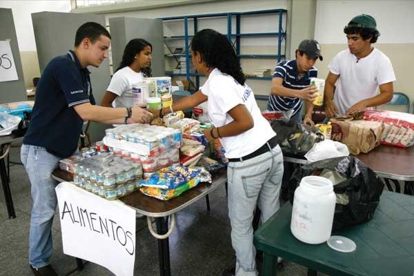 centro_de_acopio_para_damnificados_de_santa_cruz.expand_VZLA