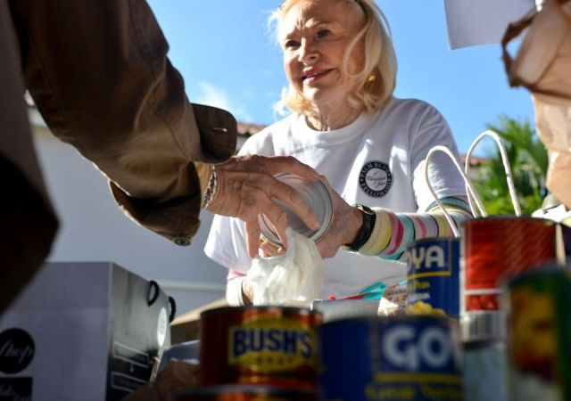 Food pantry_helping others