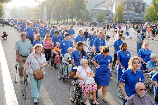 Pilgrims to Lourdes12